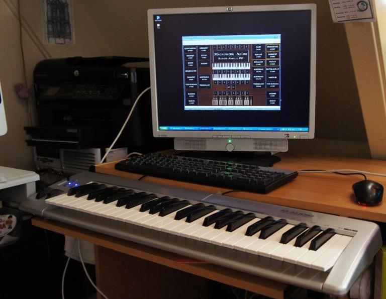Monitor, toetsenbord & muis en keyboard